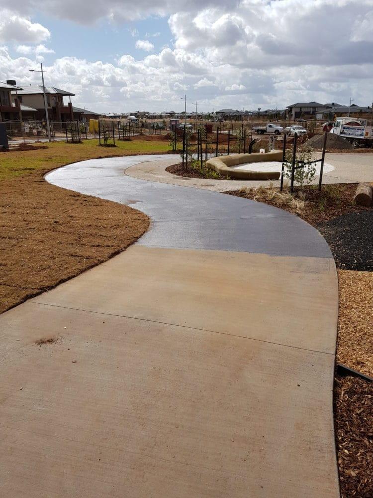 Tarneit Playground Park Reserve Path 3