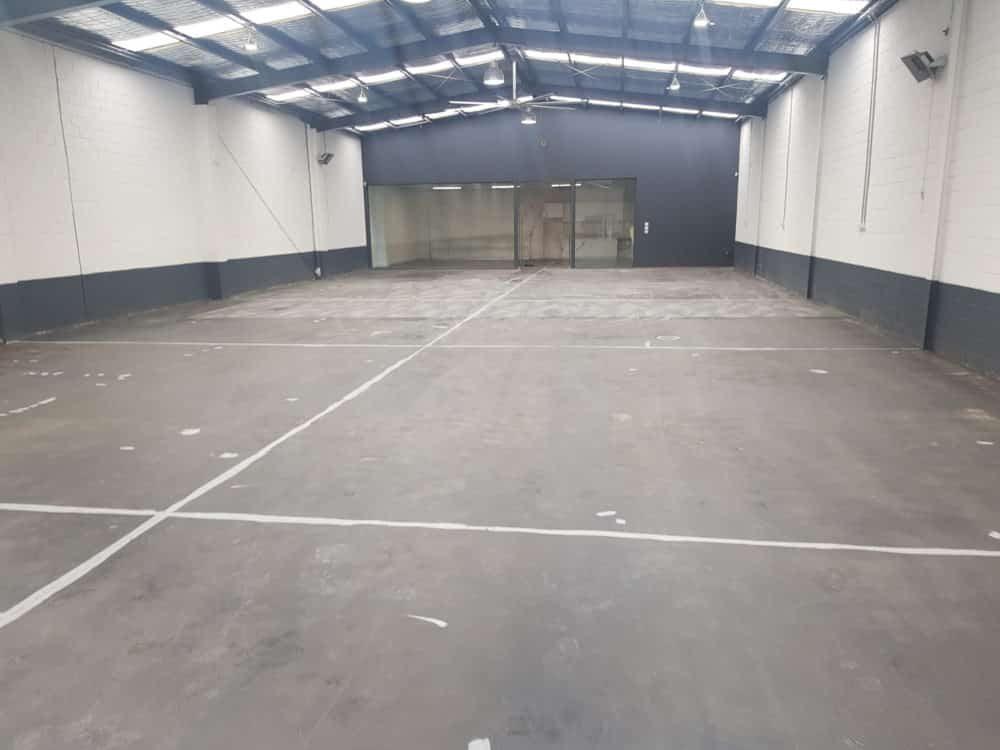 Cheltenham Showroom Factory 3
